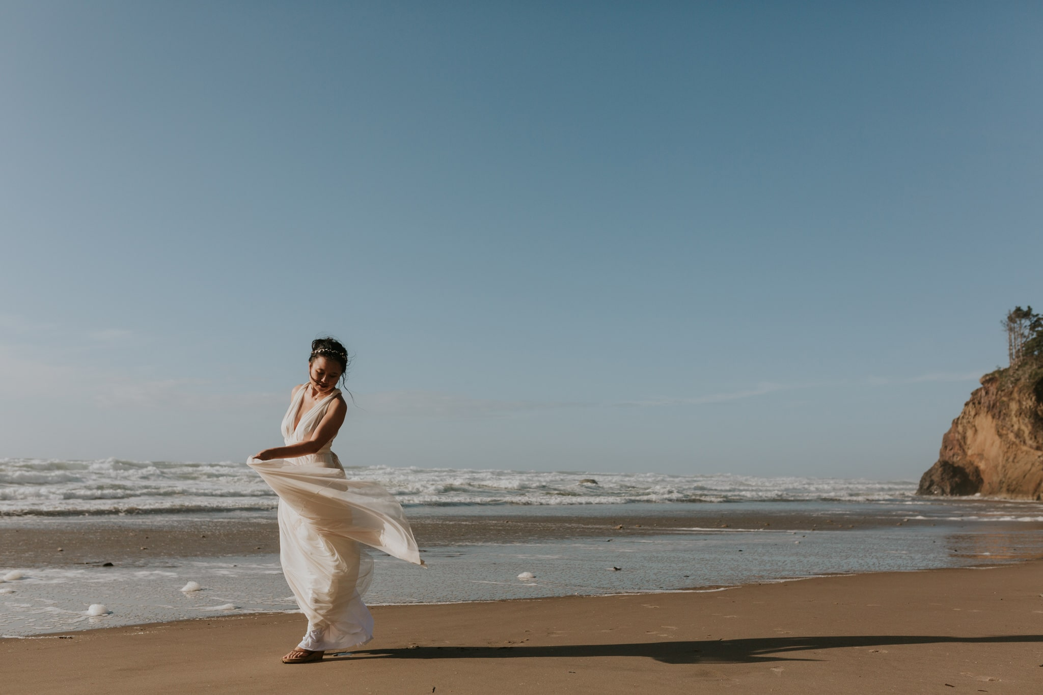 oregon coast bhldn dress urban outfitters Portland Wedding Photographer Marcela Pulido