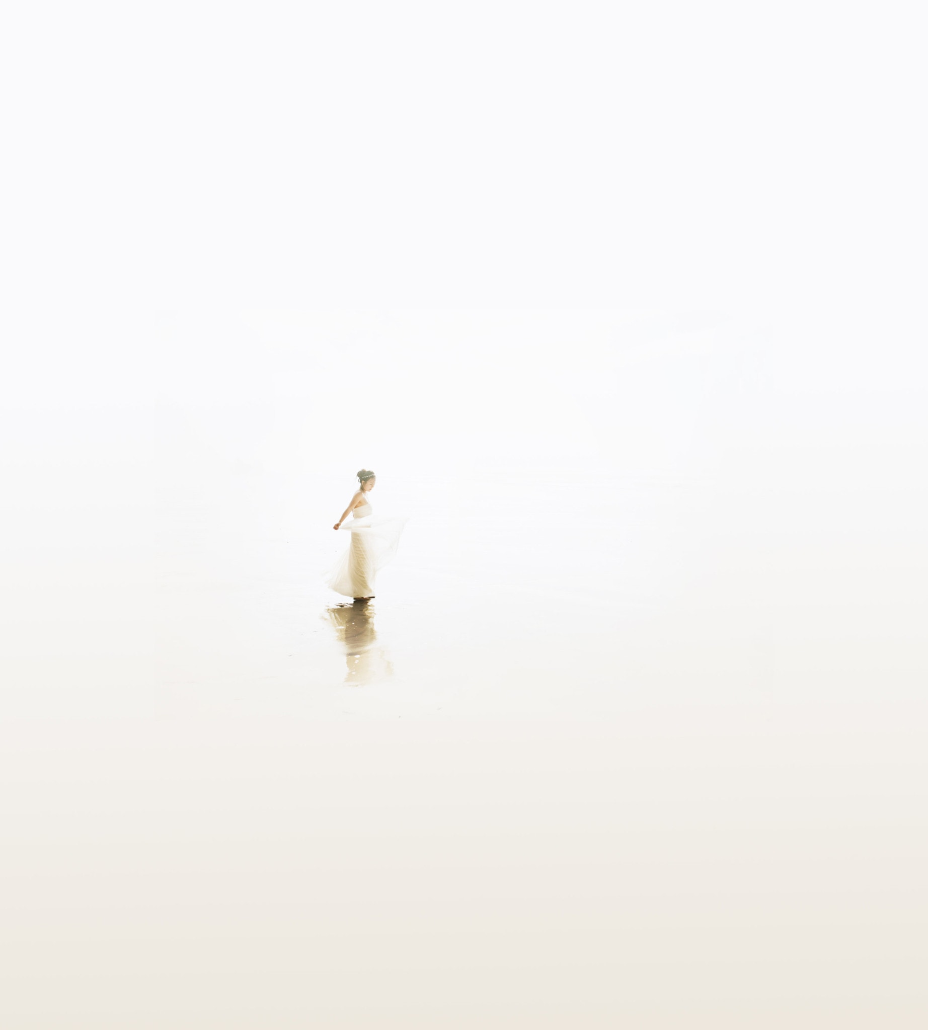Oregon coast whiteout minimalist bride portrait Portland Wedding Photographer Marcela Pulido